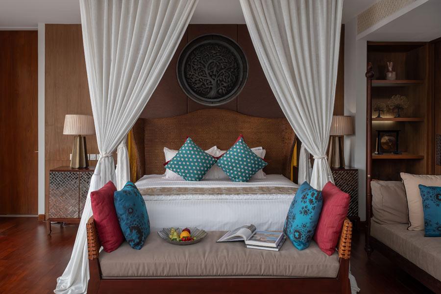 master-bedroom-empire